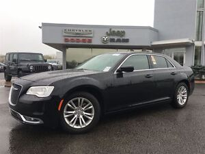 2016 Chrysler 300 Touring  LEATHER...ROOF..