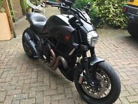 Ducati Diavel Strada Dark/Matte Black