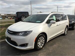 2017 Chrysler Pacifica Touring-L**DEMO**ONLY 1623 KMS**