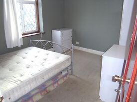 InHouse 1stFloor DoubleRoom Share Eat In Kitchen 2BathShower Patio IncludesBills VeryNearBRBusShops
