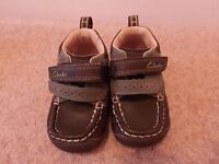 Boys Size 3H Clarks first shoes in good as new condition