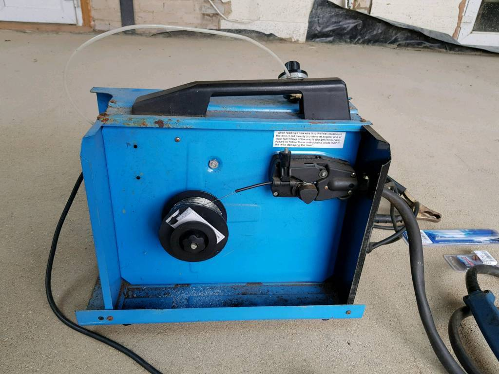 Clarke 105 Mig Welder + mask, spare wire line, tips and wire | in ...