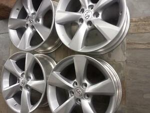 BRAND NEW TAKE OFF TOYOTA HIGHLANDER FACTORY OEM 18 INCH ALLOY WHEEL SET OF FOUR