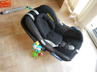 Maxicosi car seat and Bugaboo Cameleon adapters