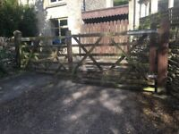 Drive or garden wood swing gates