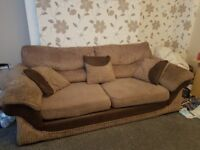 3 seater sofa with 3 small cusions included