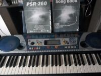 Yamaha keyboard psr 260 v g c with stand and manuel