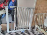 Pressure fit safety gate 71-85 cm