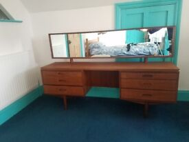 1970s dressing table
