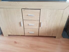 2 door and 3 drawers sideboard