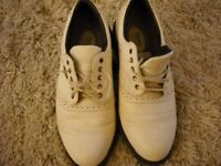 MENS WHITE LEATHER UPPER GOLF SHOES SIZE 8