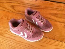 Girls Hummel trainers-£8