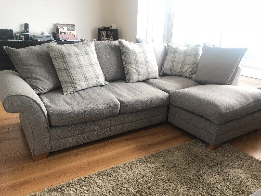 L Shaped Sofa With Ter Back Only 1 Year Old Great Condition