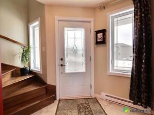 369 000$ - Maison 2 étages à vendre à Chicoutimi Saguenay Saguenay-Lac-Saint-Jean image 2