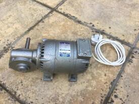 Parvalux Electric Motor with gearbox. Single Phase. Low geared. £90 ono