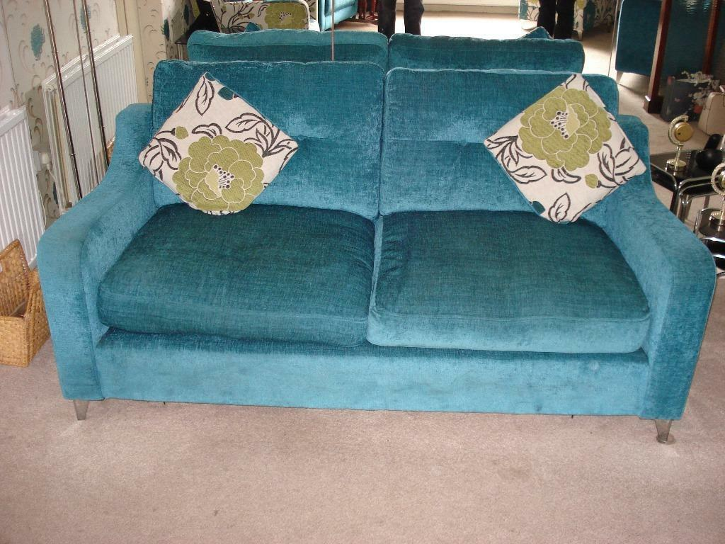 Dfs 3 Seater Sofa With 2 Matching And 2 Co Ordinating