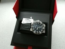 New with Tabs Oris Aquis S/S Date Rubber Great Price!