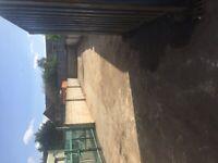 YArd to let in Aldridge ws98sw 300 square yards suitable builder or storage etc . Tel 01543378494