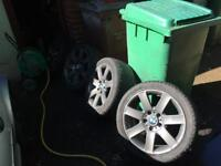 Set of 4 bmw 17 inch alloy weels