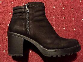 Vagabond Grace Ankle Boots size 7