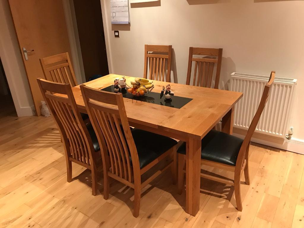 Dining table and 6 chairs extendable