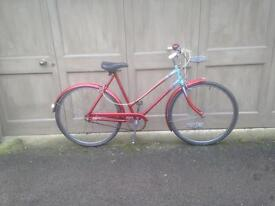 Classic ladies 3 speed town bicycle with lights