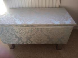 Upholstered blanket Box/ottoman