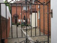 1 BEDROOM**STUDIO FLAT**WORLDS END LANE*MUST VIEW**CALL NOW TO VIEW**
