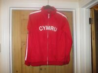 WALES JACKET RED SIZE LARGE BOYS