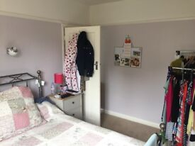 Lovely bright double room with garden view - Morden