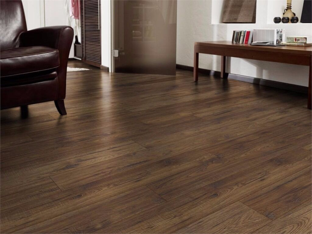 Laminate flooring fitters cheap floor panels for sale for Laminate flooring sale