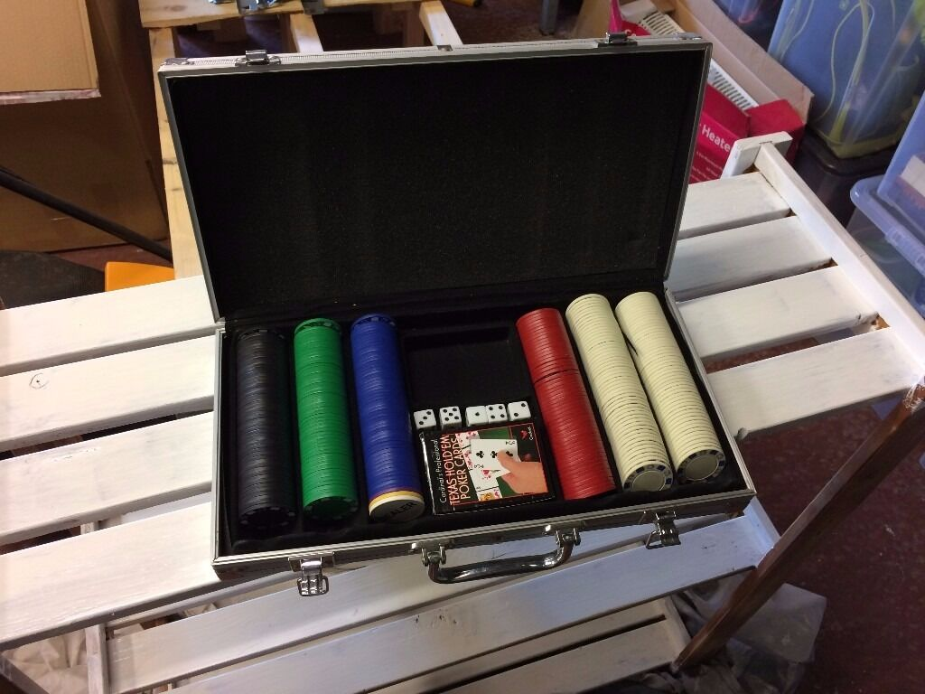 EXCELLENT condition Poker set