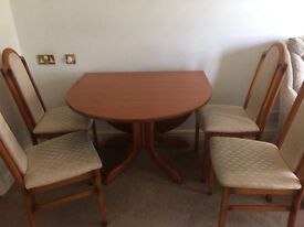 Very good condition g-plan extened table and 4 chairs