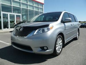 2014 Toyota Sienna * XLE * AWD * CUIR * TOIT * MAGS * 52 100 KM