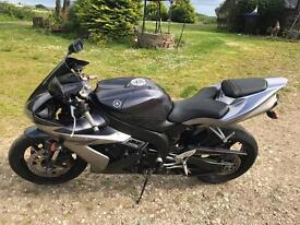 Yamaha r1. 2004