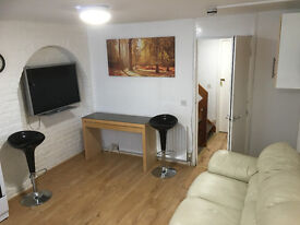BRUNEL UNI DOUBLE ROOM REDUCED TO 550