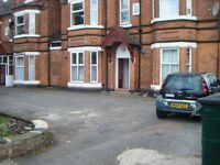 *ONE BEDROOM STUDIO FLAT * OFF STREET PARKING * WATER RATES INCLUDED * FLAT 12 ST PETERS RD HARBORNE