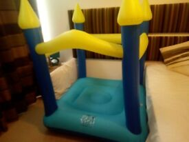 Bouncy Castle With Electric Pump