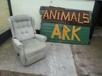Green recliner armchair Delivery Available £10