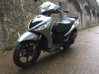 FULLY WORKING 2009 Suzuki 125cc learner 125 cc Scooter moped with MOT.