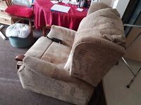 Sherbourne DUAL MOTOR Riser Recliner Chair - Excellent Condition