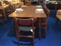 Walnut Dining Table with 6 Matching Chairs Modern Retro Style rrp £999
