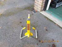 Wheel clamp[ (Bulldog)