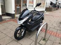 Honda pcx 125cc Black 62 reg 2013 excellent condition not Vespa hpi clear !!