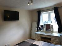 Double Room Ensuite A10 Great Cambridge Road