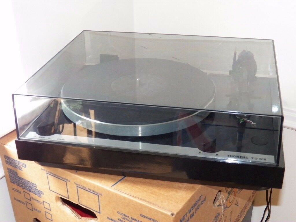 Thorens TD318 2-Speed Semi-Automatic Belt-Drive Turntable Including Shure 95ED