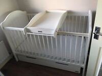 Mama and papa cotbed & mattress white
