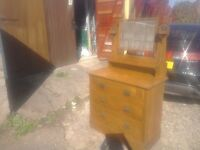 Solid oak dressing table/chest of drawers with mirror