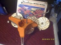 """A SALAD MAKERS """" DELIGHT """" IT CHOPS , SLICES, GRINDS etc etc WITH 6 DISCS , EASY TO USE +"""