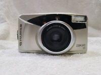 Fujifilm rangefinder compact zoom 35mm film camera fujinon lens lomo lomography